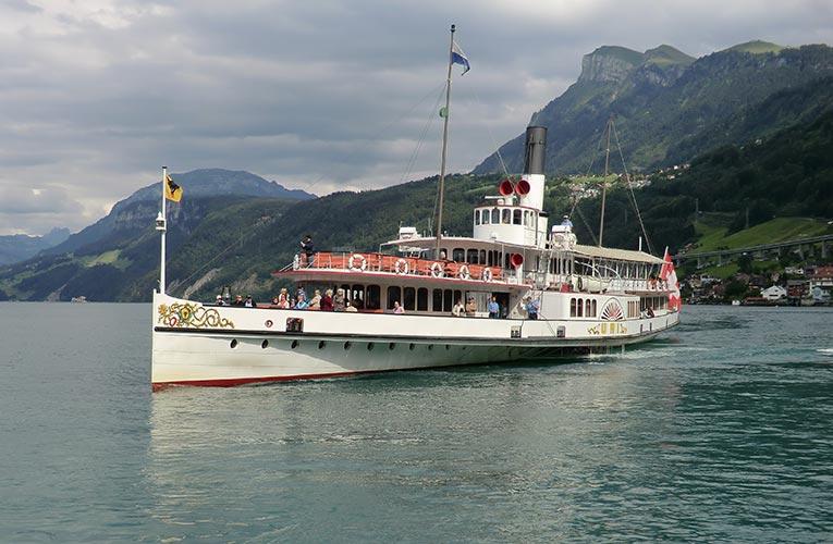 Hundreds set off on new migrant caravan 11 lake swiss boat sail water transportation ship 1420146