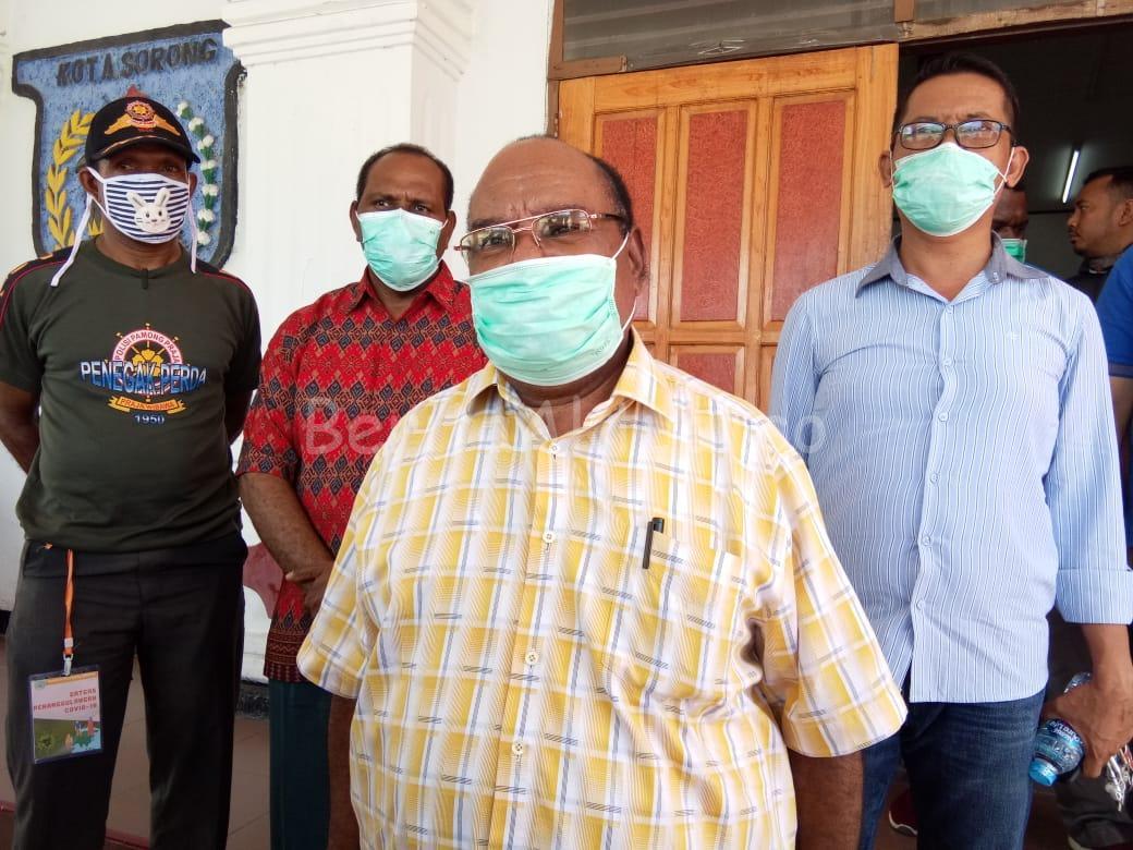 Walikota Sorong Imbau Warga Jaga Kesehatan, Distributor Stop Main Harga 1 IMG 20200330 WA0036