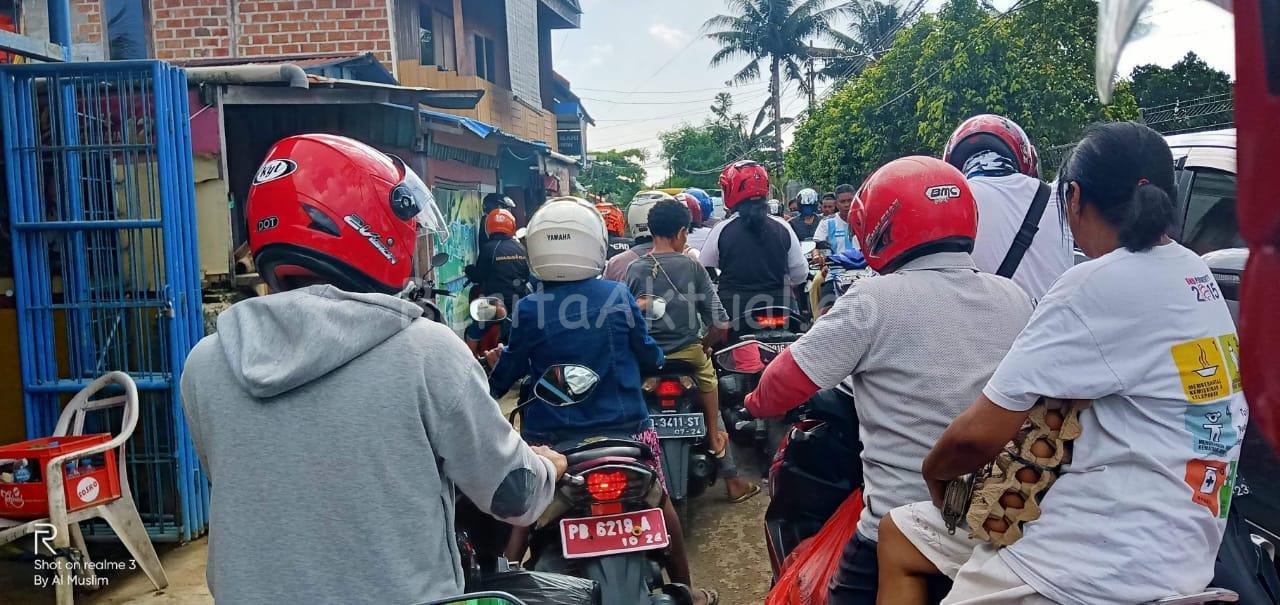 Info Kota Sorong Berhenti 3 Hari Belum Pasti, Namun Warga Terlanjur Padati Supermarket Dan Pasar Remu 2 IMG 20200409 WA0029