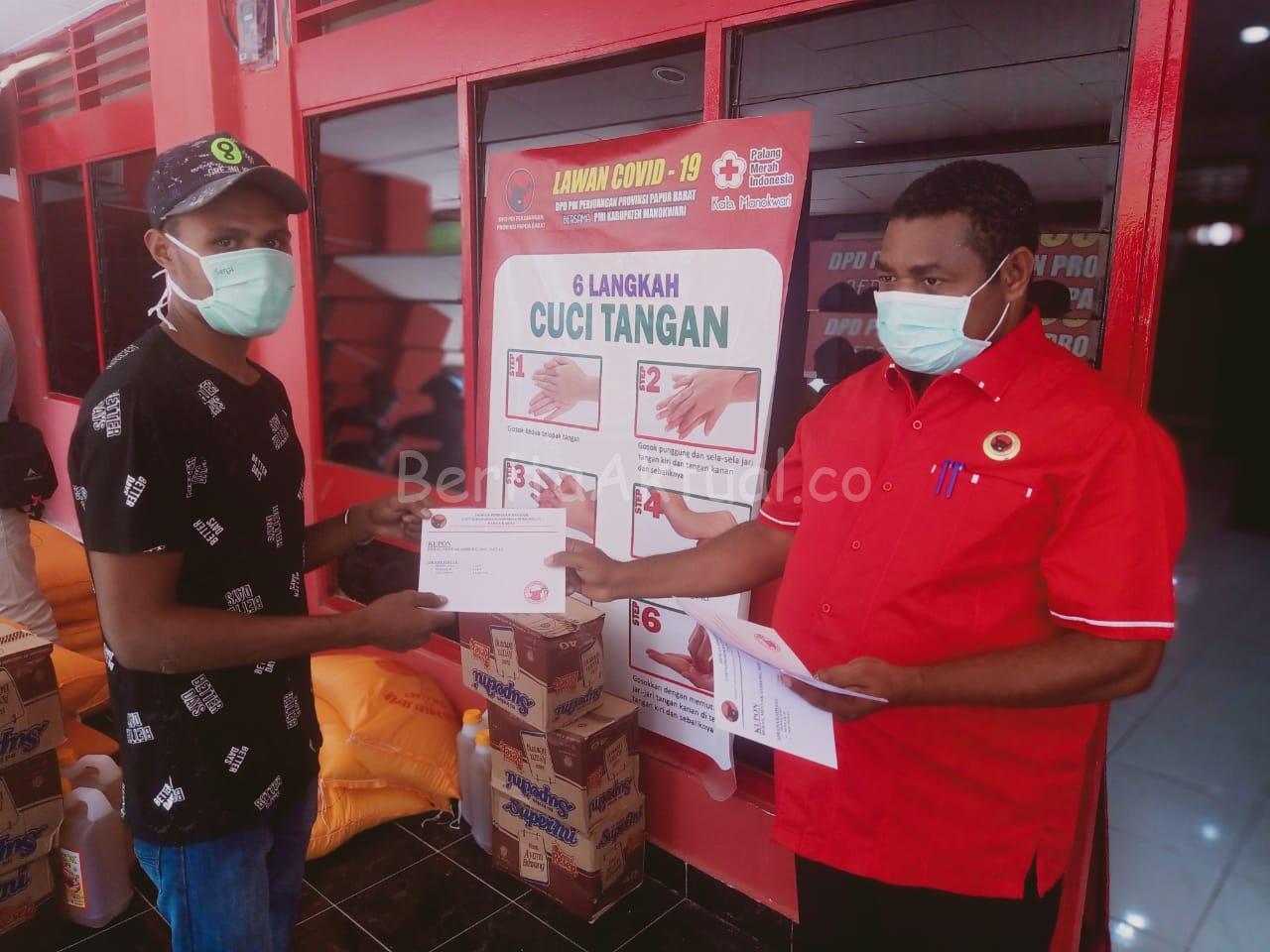24 Asrama Mahasiswa di Manokwari Dapat Bantuan Bapok Dari DPD Partai PDIP PB 2 IMG 20200411 WA0019