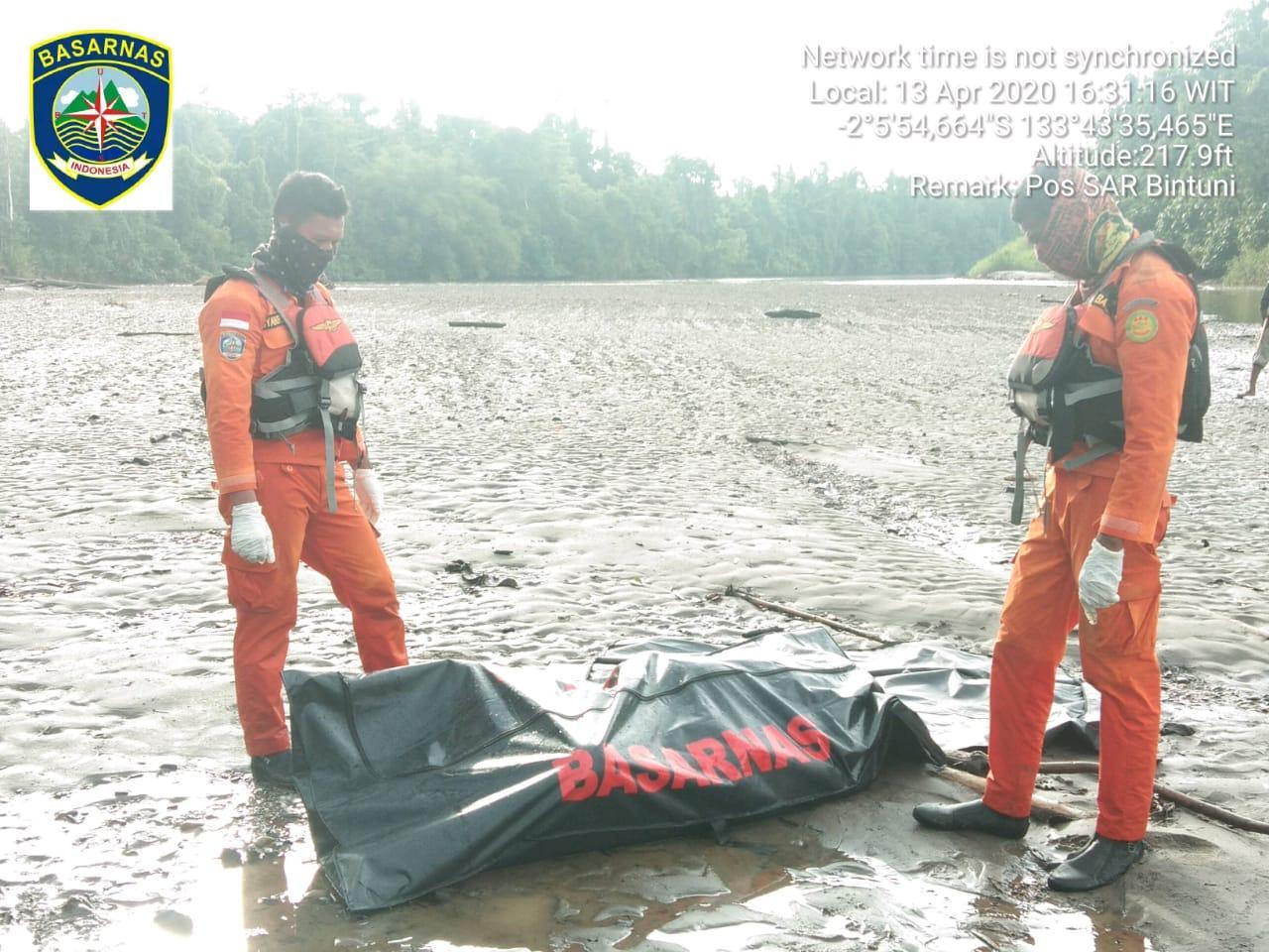 Tim Gabungan Basarnas Temukan Karyawan LNG Tak Bernyawa di Sungai Muturi Teluk Bintuni 2 IMG 20200413 WA0103