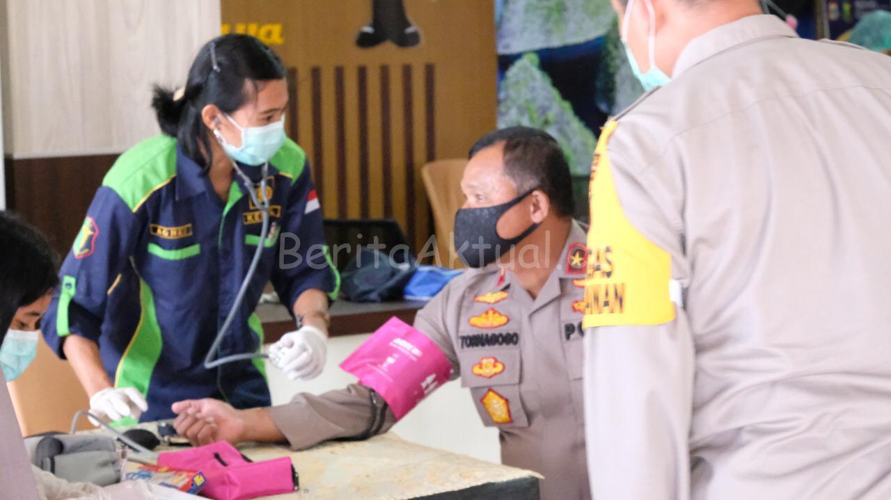Bantu Stok PMI, Polda Papua Barat Lakukan Donor Darah 4 IMG 20200414 WA0059
