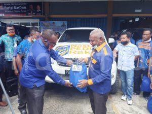 DPW NasDem Salurkan 11.600 Paket Sembako ke Kabupaten-Kota se Papua Barat 2 IMG 20200416 WA0027