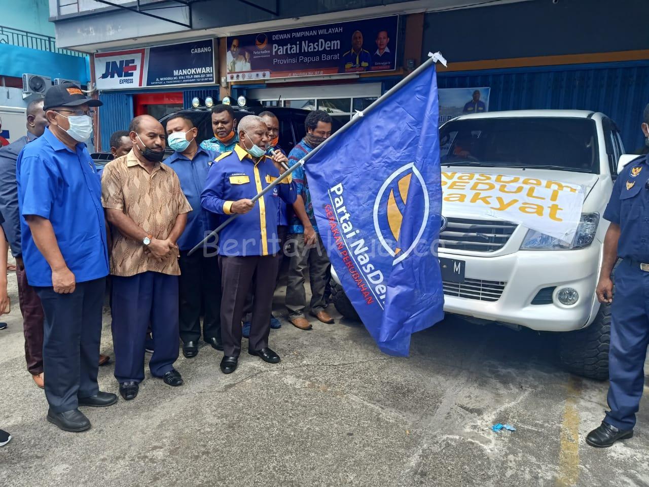 DPW NasDem Salurkan 11.600 Paket Sembako ke Kabupaten-Kota se Papua Barat 3 IMG 20200416 WA0029