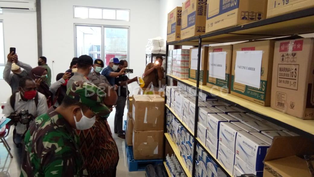 Walikota Sorong Pastikan APD Untuk Tenaga Medis Aman 1 IMG 20200416 WA0048