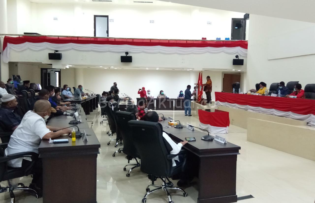 DPRD Kota Sorong Dukung Kebijakan Walikota Tutup Kembali Bandara Dan Pelabuhan 1 IMG 20200417 WA0033