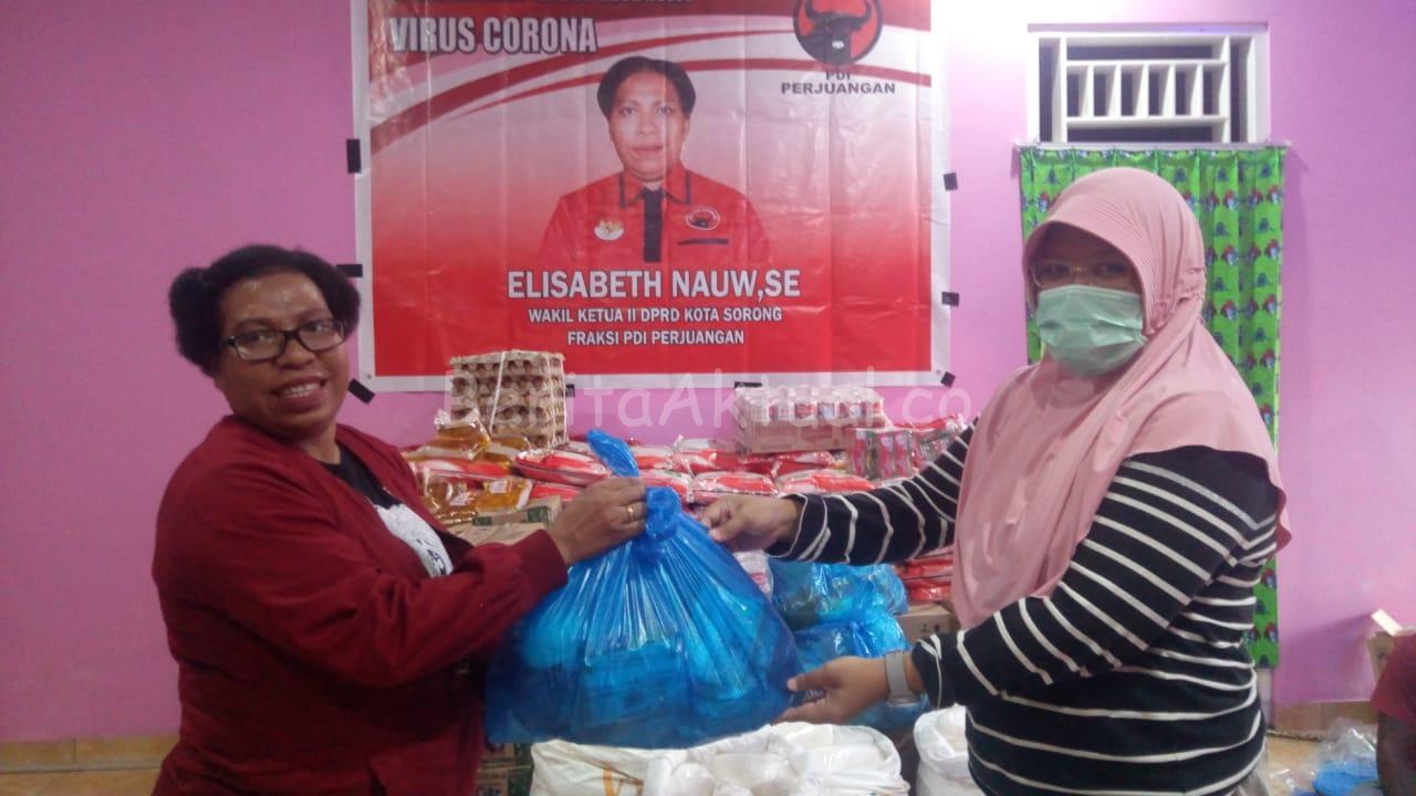 Hari Kartini, Jurnalis Perempuan di Sorong Dapat Bantuan Dari Anggota DPRD Elisabeth Nauw 1 IMG 20200421 WA0078