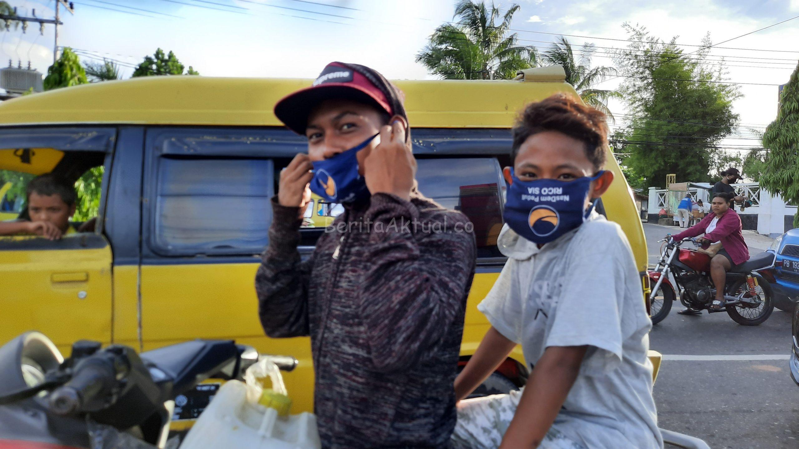 Peduli Corona, Partai NasDem Dan Sahabat Rico Sia Bagi APD Serta Takjil di Terminal Kota Sorong 3 20200503 171024 scaled