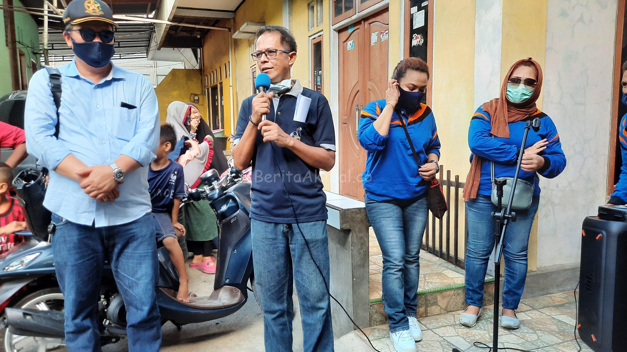 NasDem Peduli Dan Sahabat Rico Sia Salurkan 500 Paket Bama Untuk Warga Pasar Baru Kota Sorong 2 20200515 171836 scaled
