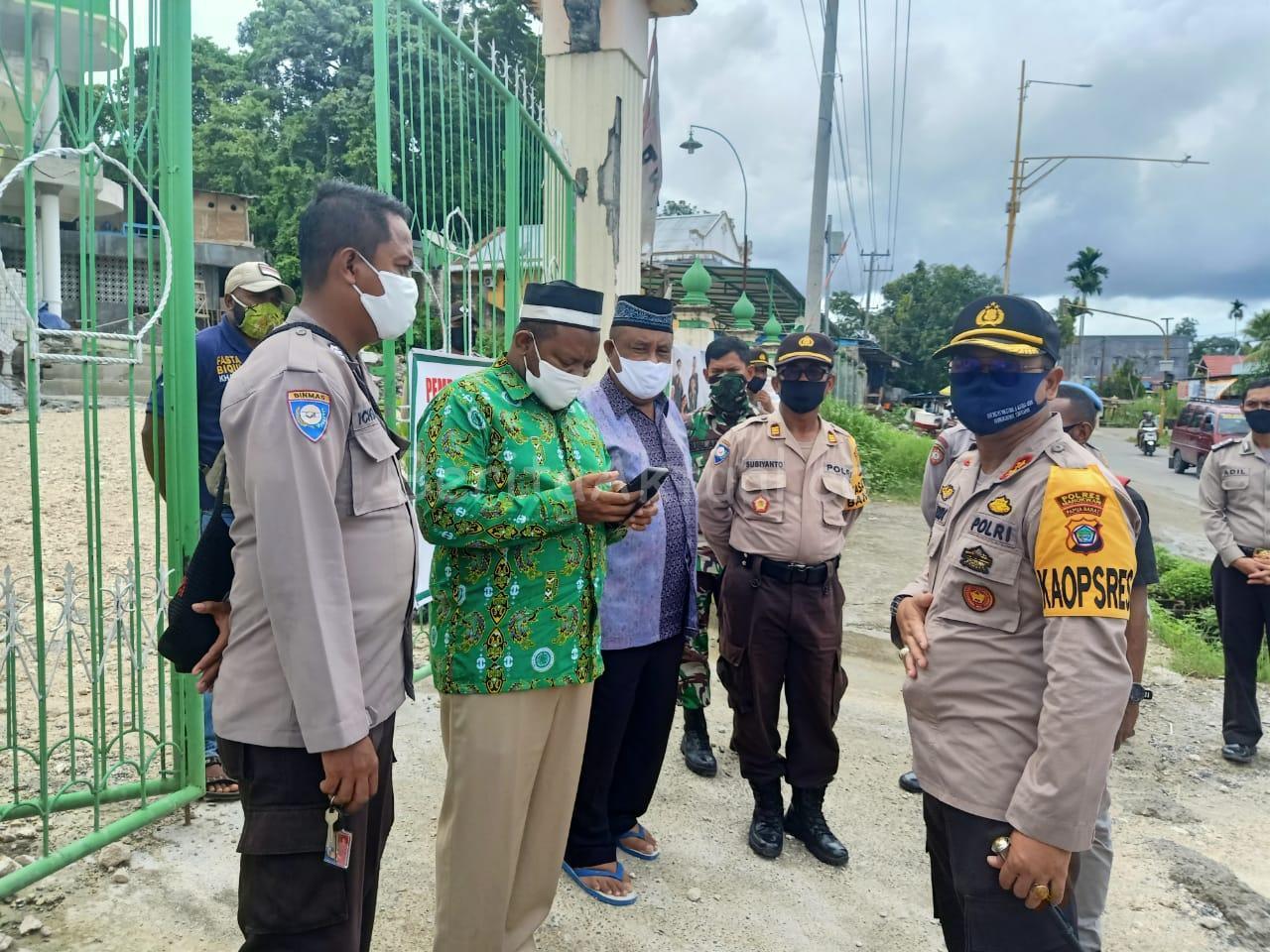 Polres Manokwari Gandeng MUI PB Gelar Patroli Pastikan Tidak Ada Shalat Jumat di Masjid Saat Covid-19 17 IMG 20200501 WA0085