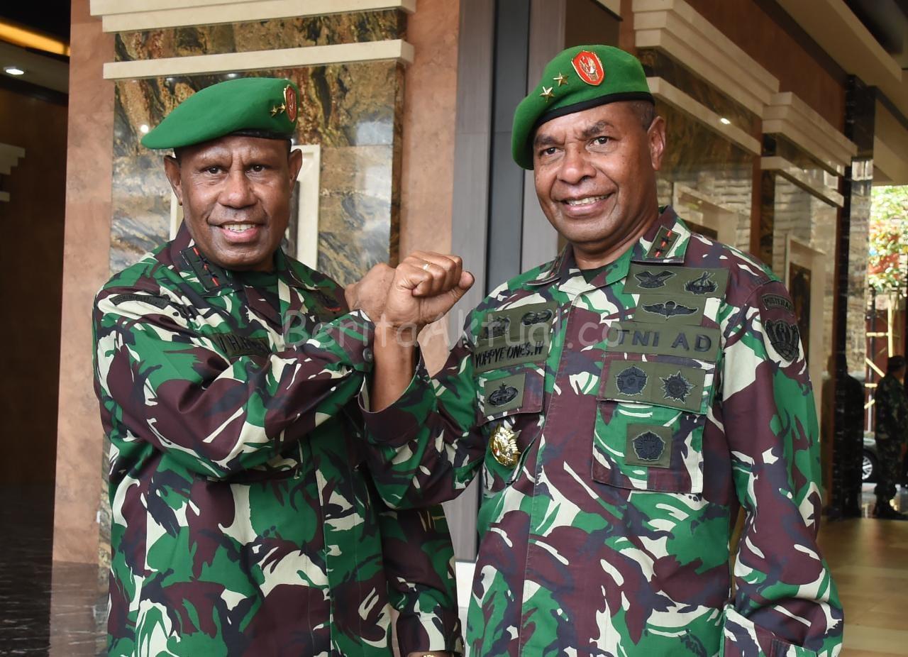 Kasad Andika Perkasa Lantik Dua Putra Terbaik Asli Papua 1 IMG 20200511 WA0065