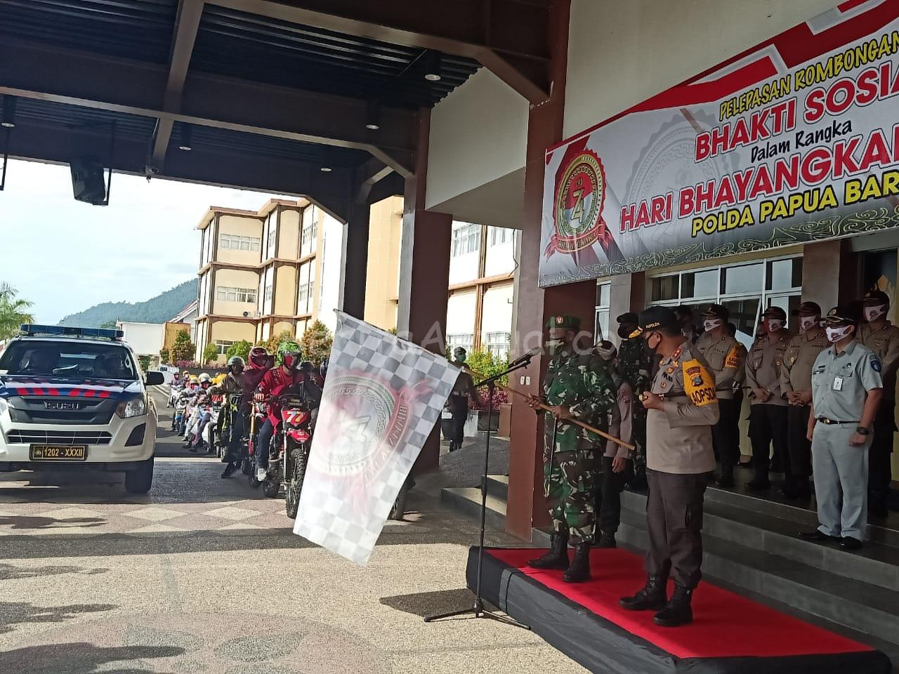 Polda Papua Barat Bagi Sembako Untuk TKBM, Ojek Dan Tenaga Medis Manokwari 1 IMG 20200626 WA0023