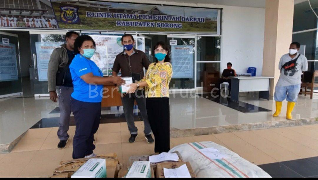 Ribuan APD Dari Robert Kardinal Untuk Tiga RS di Sorong Papua Barat di Distribusikan 3 20200704 155543 compress3