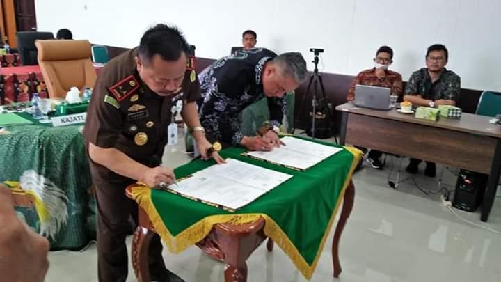 Pertamina dan Kejati Papua Barat Teken MoU Secara Virtual 3 IMG 20200709 WA0015 1
