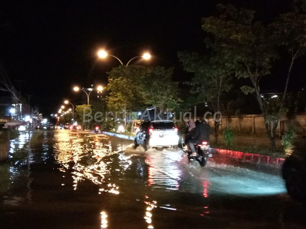 Sorong Diguyur Hujan Deras, Jalan Sungai Maruni Kembali Terendam Banjir 1 IMG 20200720 WA0042