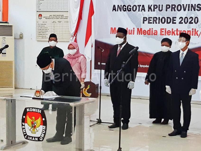 Sah! Arief Budiman Lantik Anggota KPU Provinsi Papua Barat Periode 2020-2025, Ini Daftarnya 1 IMG 20200804 WA0048