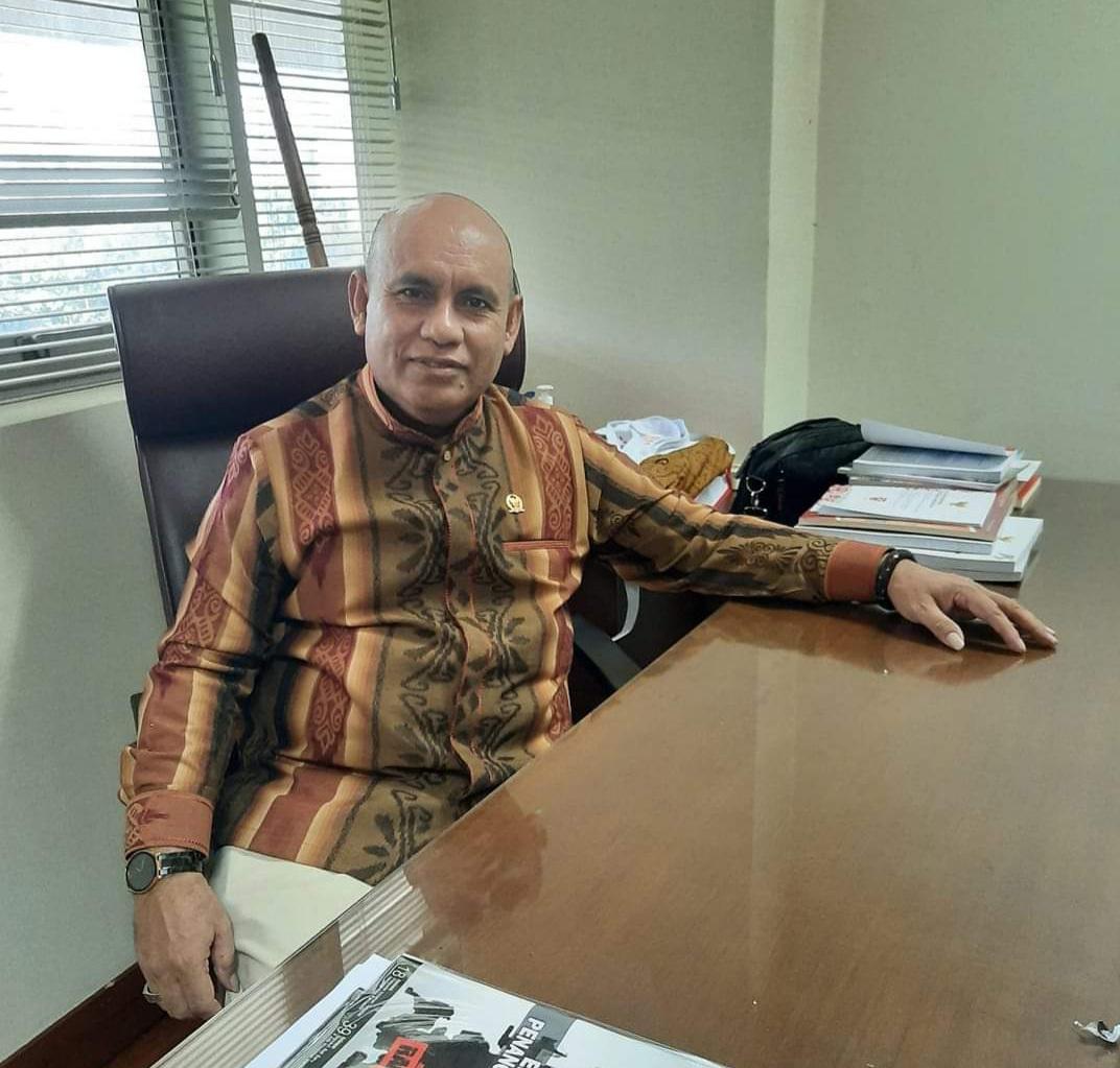 Sanusi Rahaningmas Harap Pemprov PB Selesaikan Gaji Guru Honorer 8 Bulan Nunggak 4 20200901 155200