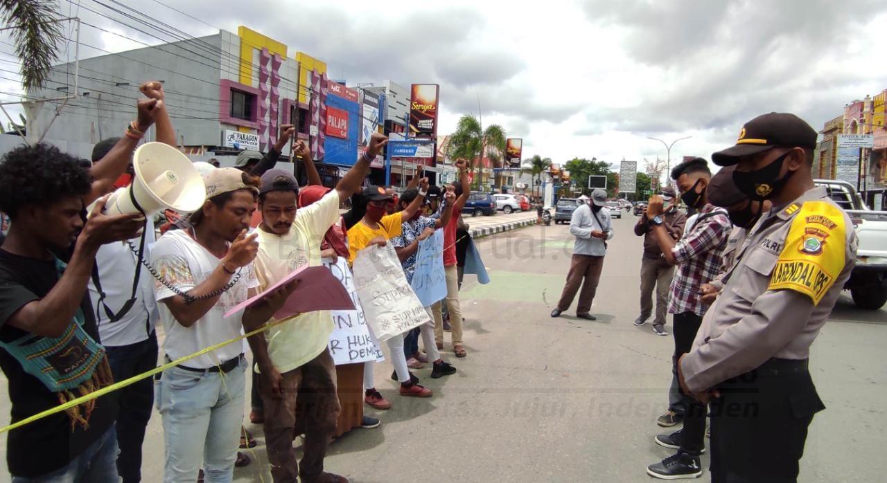 Massa Gelar Demo Minta Oknum Polisi Yang Melakukan Tindak Pidana Diusut Tuntas 1 IMG 20200907 WA0031