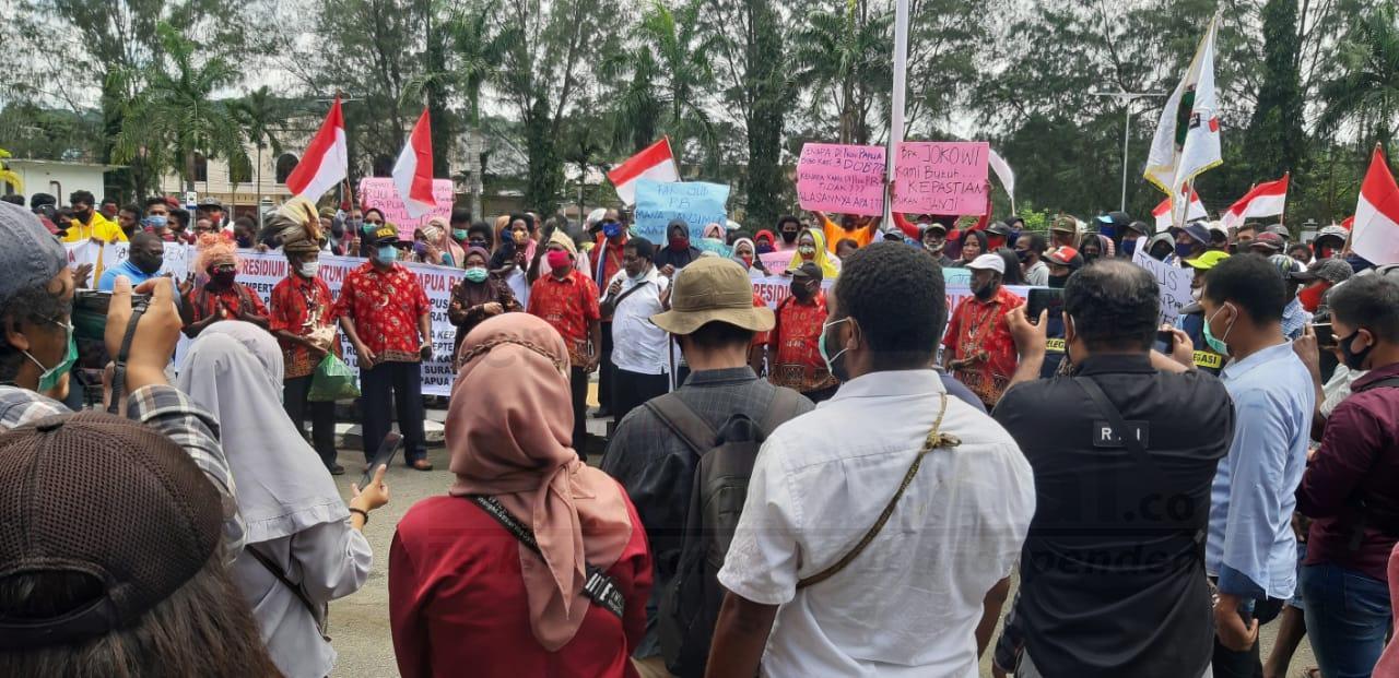 Ratusan Warga Gelar Demo di Kantor Walikota Sorong, Minta Presiden Sahkan Papua Barat Daya 3 IMG 20200923 WA0022