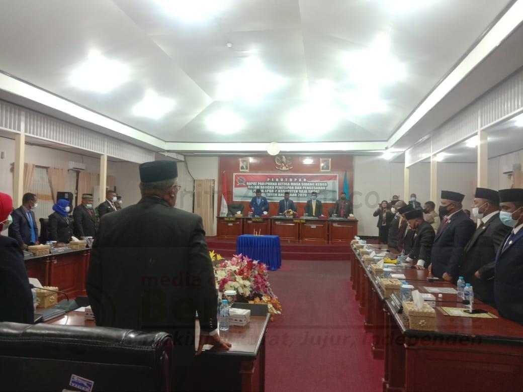 Sidang Paripurna APBD-P 2020 Ditutup, Ketua DPRD Raja Ampat Sampaikan Ini 2 IMG 20200924 WA0003