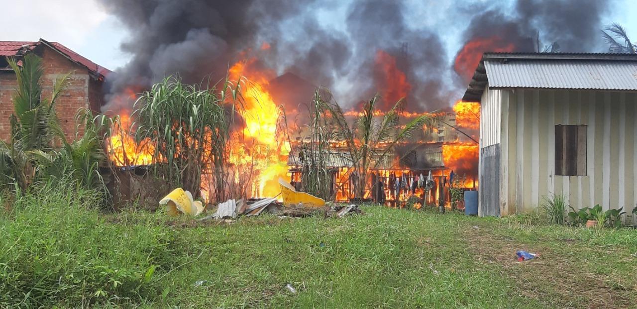 Dianiaya Hingga Tewas, 4 Rumah Warga di Kota Sorong Dibakar 25 IMG 20201005 WA0032