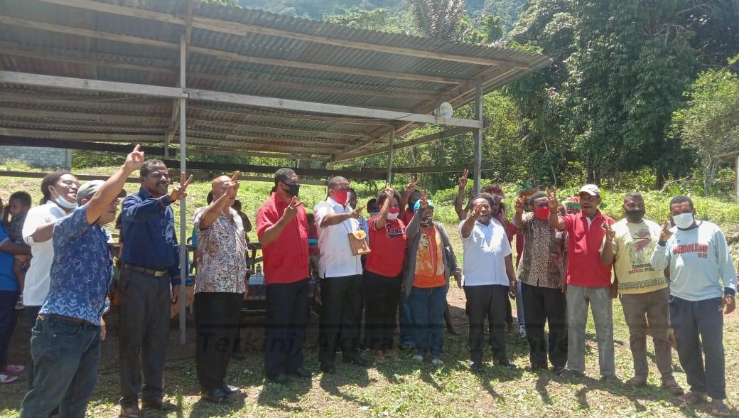 Masyarakat Dan Jemaat Kampung Acemo Nyatakan Dukung HEBO di Pilkada Manokwari 7 IMG 20201005 WA0046
