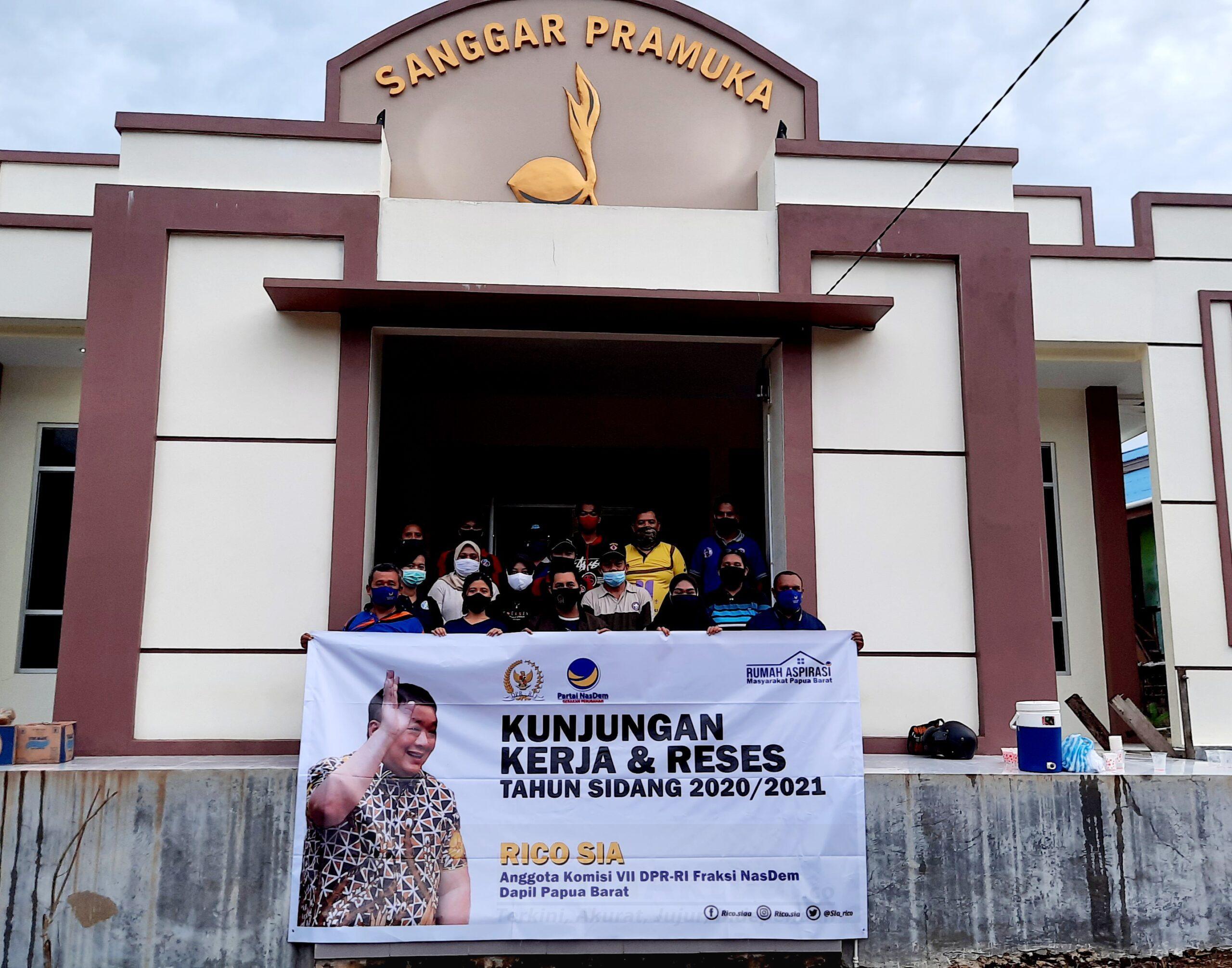 Rico Sia Realisasikan Bantuan Teknologi Untuk Kwarcab Dan Sekolah di Sorong 2 20201107 214526 scaled