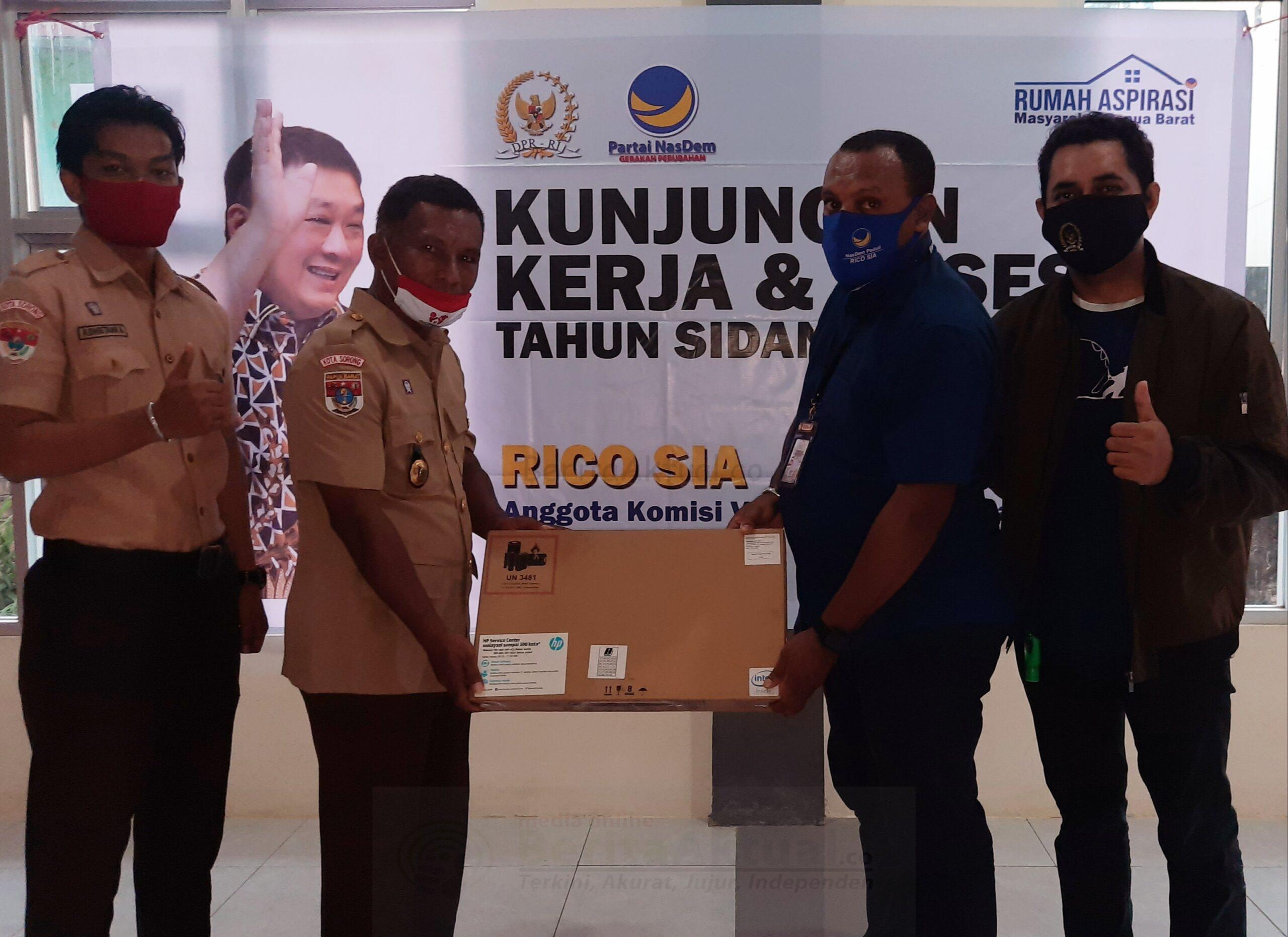Rico Sia Realisasikan Bantuan Teknologi Untuk Kwarcab Dan Sekolah di Sorong 1 20201107 215201 scaled