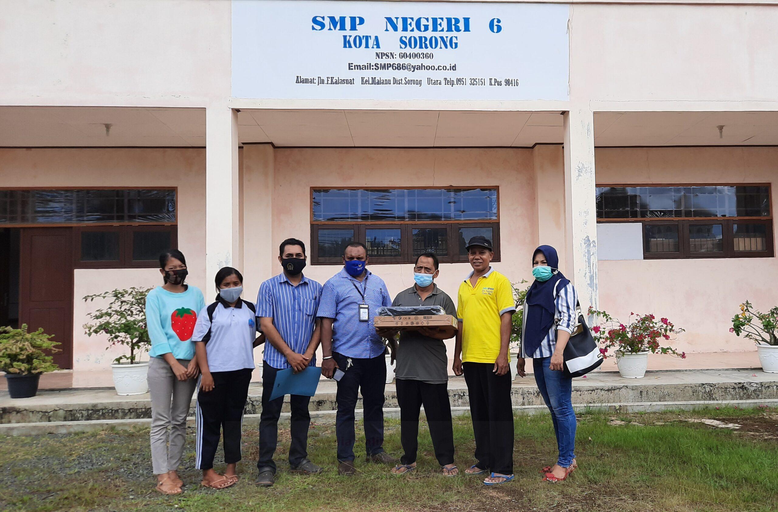 Rico Sia Realisasikan Bantuan Teknologi Untuk Kwarcab Dan Sekolah di Sorong 3 20201107 215228 scaled