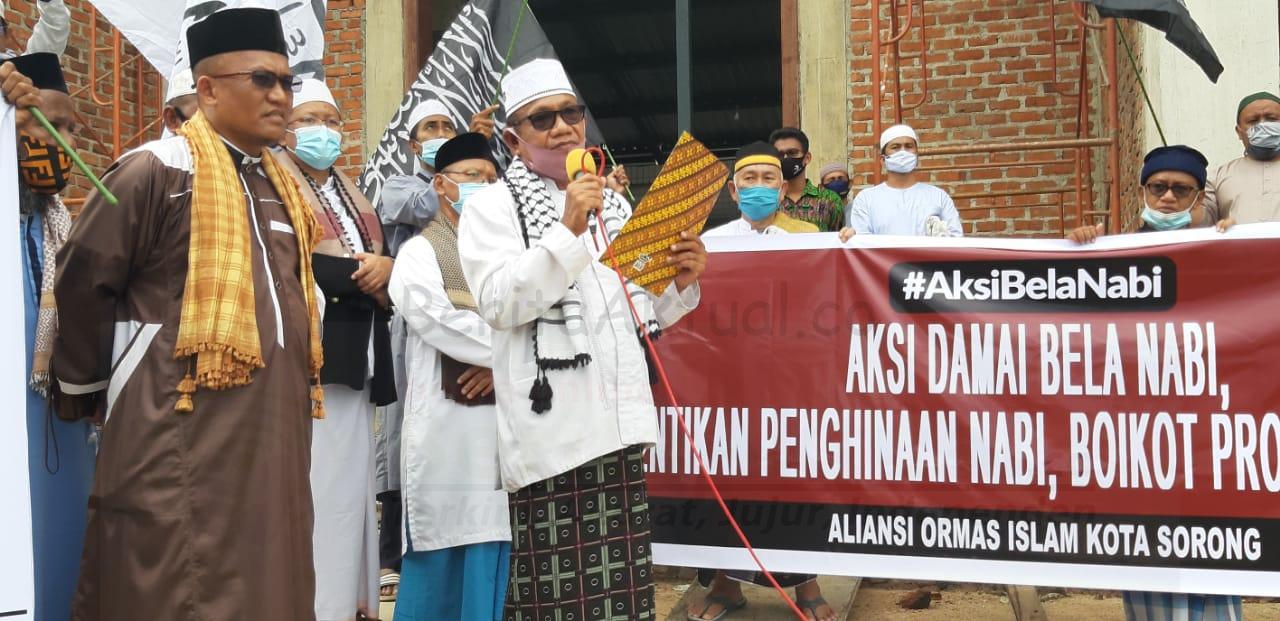Umat Muslim Kota Sorong Gelar Aksi Bela Nabi Boikot Produk Prancis 16 IMG 20201106 WA0025