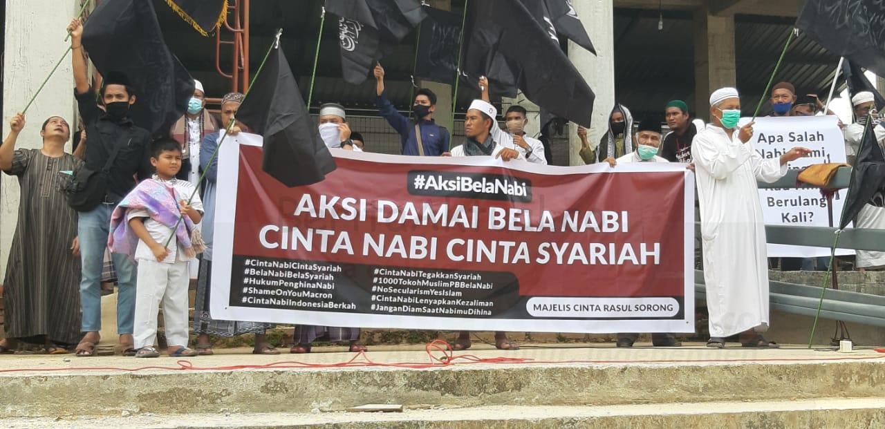 Umat Muslim Kota Sorong Gelar Aksi Bela Nabi Boikot Produk Prancis 4 IMG 20201106 WA0026