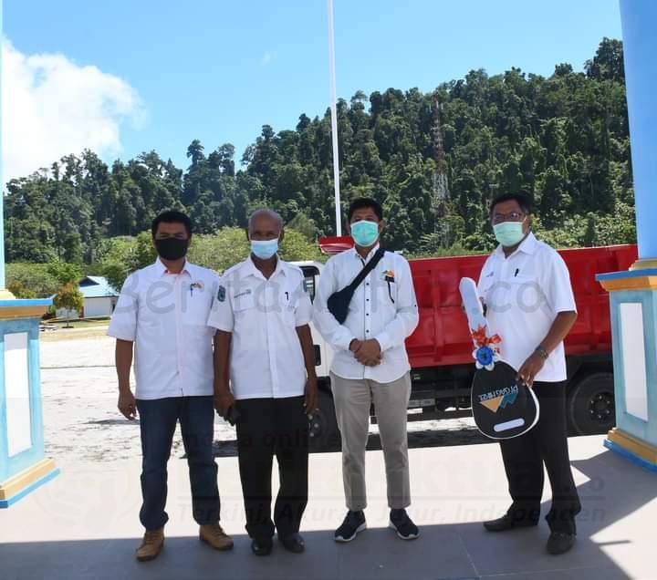 Dorong Pemda Raja Ampat Capai Adipura, PT Gag Nikel Sumbang 1 Unit Truk Sampah 2 IMG 20201119 WA0009