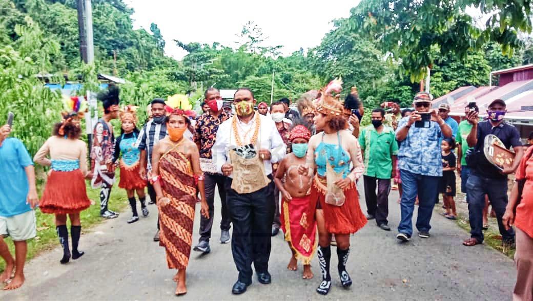 Masyarakat Kampung Inggramui Dan Udopi Sambut HEBO Dengan Tarian Adat 1 IMG 20201120 WA0034