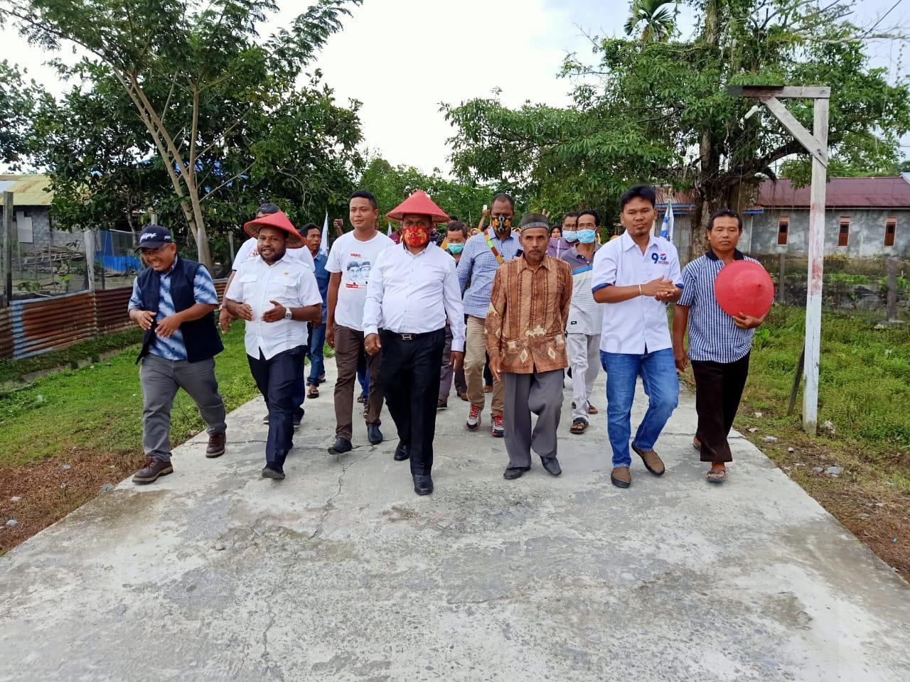 Keluh Jalan Rusak Sejak Tahun 1986, Warga Kampung Wariori Percaya Hermus-Edi Pimpin Manowari Pasti Peduli 10 IMG 20201127 WA0023
