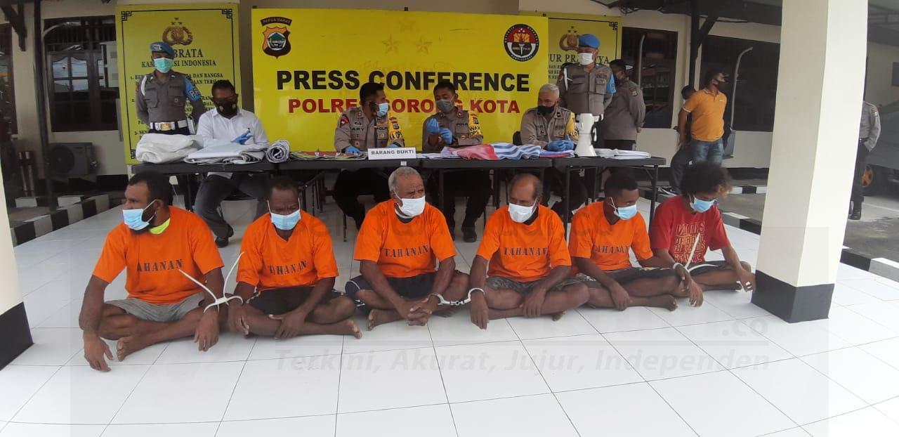 Polisi Tetapkan 6 Tersangka Ricuh di Sorong Dengan Delik Makar, Ancaman Seumur Hidup 3 IMG 20201130 WA0045