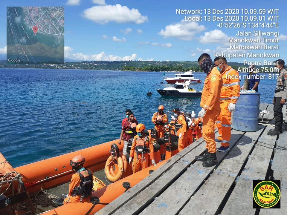 Hari Kedua Pencarian, Basarnas Manokwari Temukan SF Meninggal Dunia di Perairan Nuni 4 IMG 20201213 WA0037