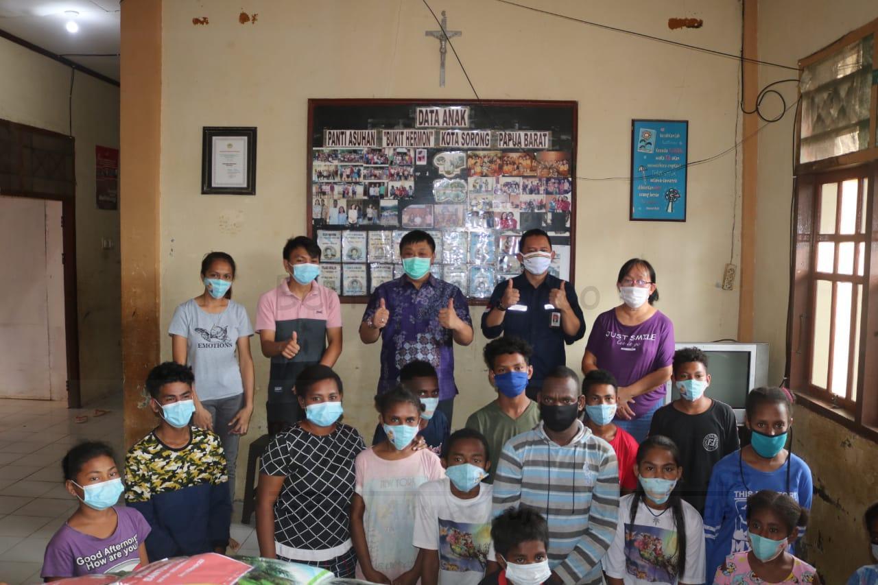 Di Bulan Kasih, SKK Migas Bersinergi Bersama DPR-RI Komisi VII Berbagi Bantuan COVID di Sorong 3 IMG 20201216 WA0084