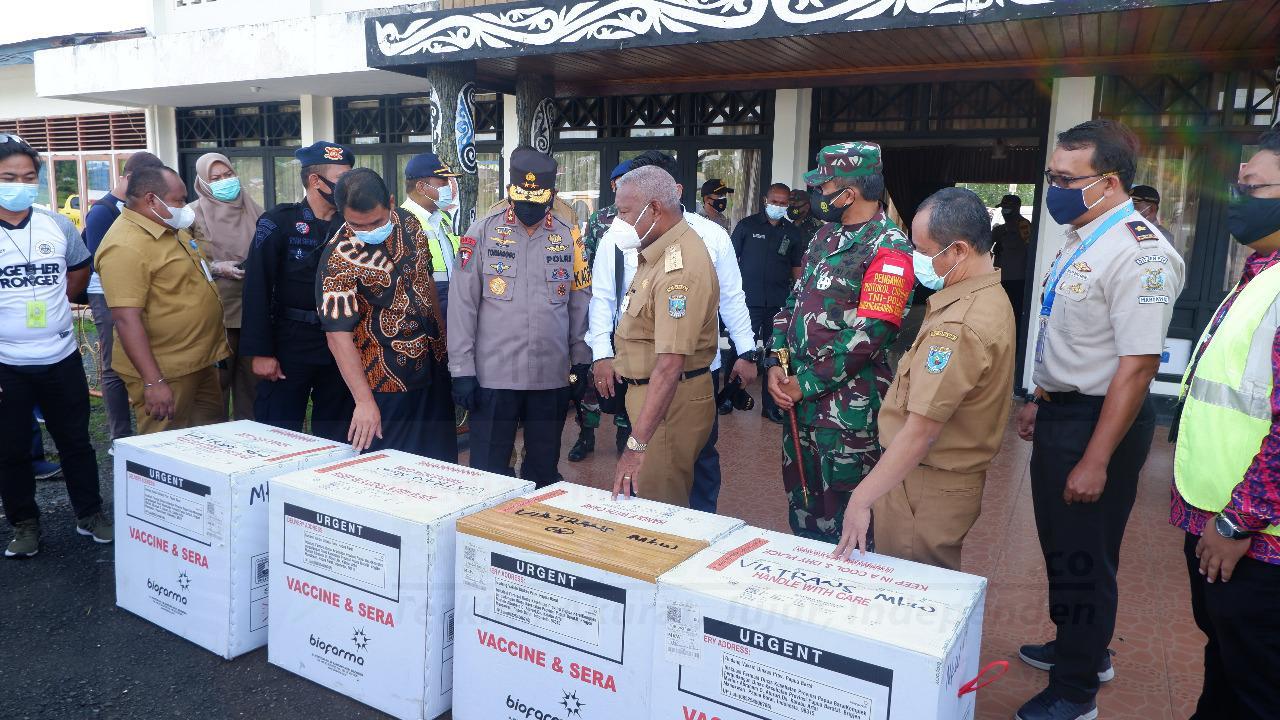 Tiba di Papua Barat 7.160 Vaksin Sinovak 1 IMG 20210105 WA0033