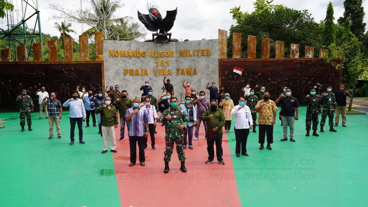 Menjaga Stabilitas Keamanan, Danrem 181/PVT Tatap Muka Bersama Jurnalis Sorong Raya 4 IMG 20210105 WA0146
