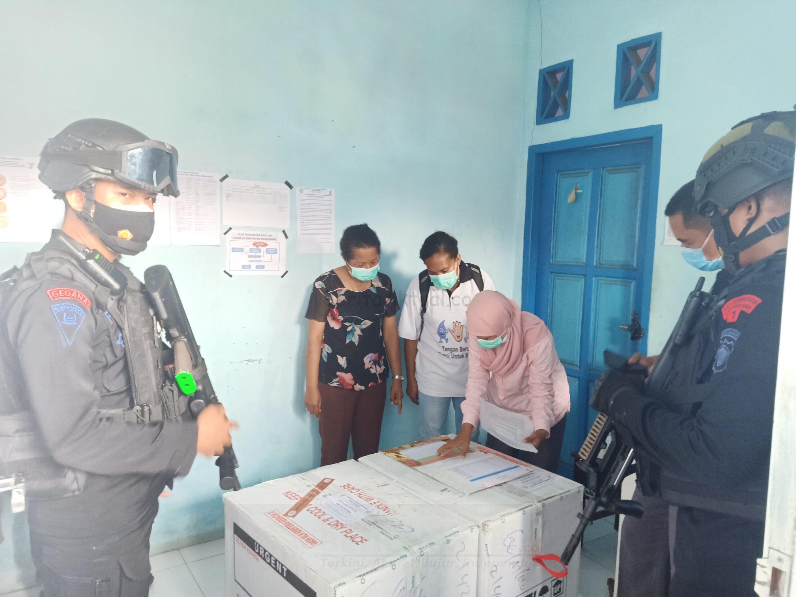 Dinas Kesehatan Papua Barat, Distribusikan 4.200 Vaksin Sinovac ke Kabupaten Manokwari 23 IMG20210117142157 scaled