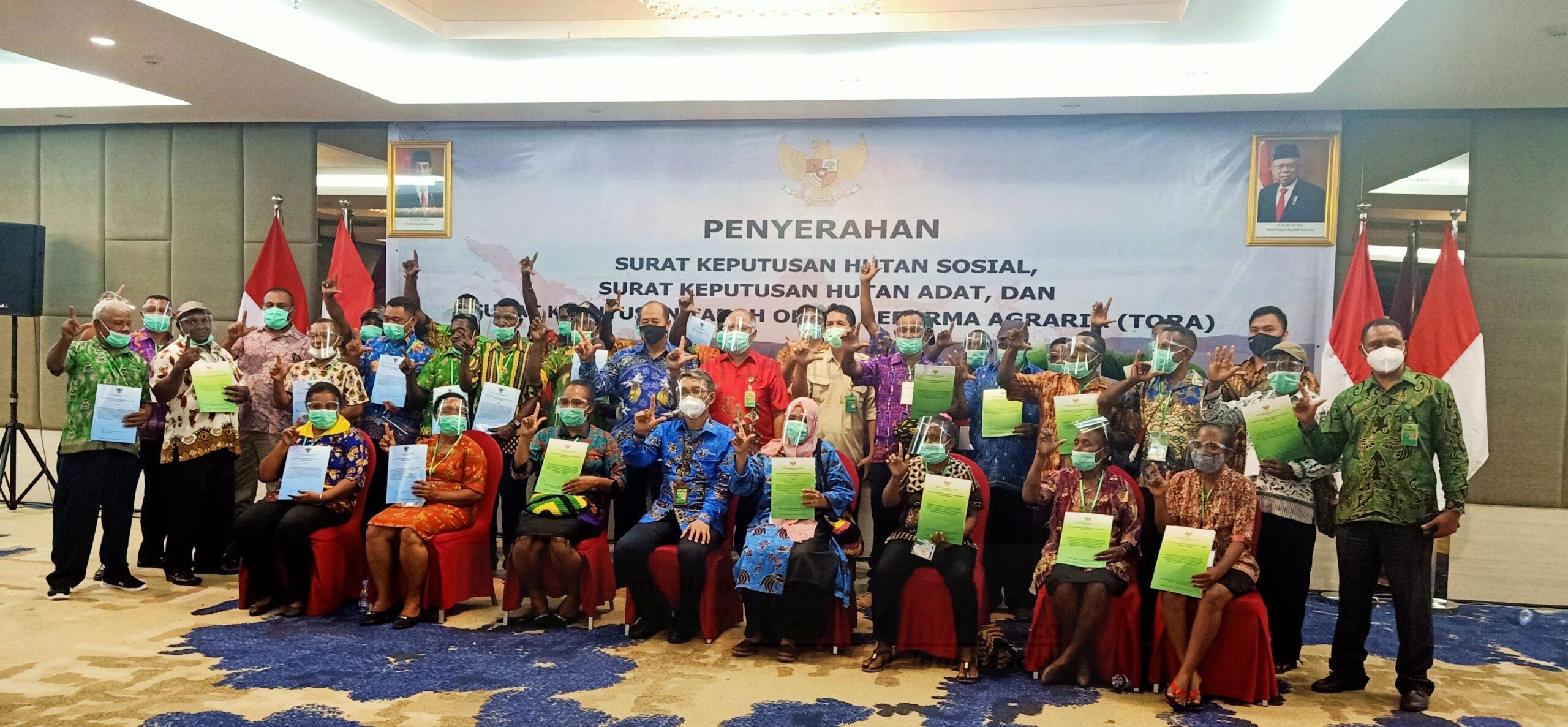 Gubernur Papua Barat, SK Hutan Adat Akan Ditindaklanjuti Dalam Pergub dan Perda 10 IMG 20210108 202405 scaled