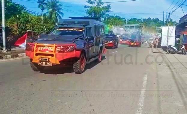 Lawan Covid-19, Brimob Polda Papua Barat Keliling Kota Manokwari Semprot Disenfektan 1 IMG 20210121 230711