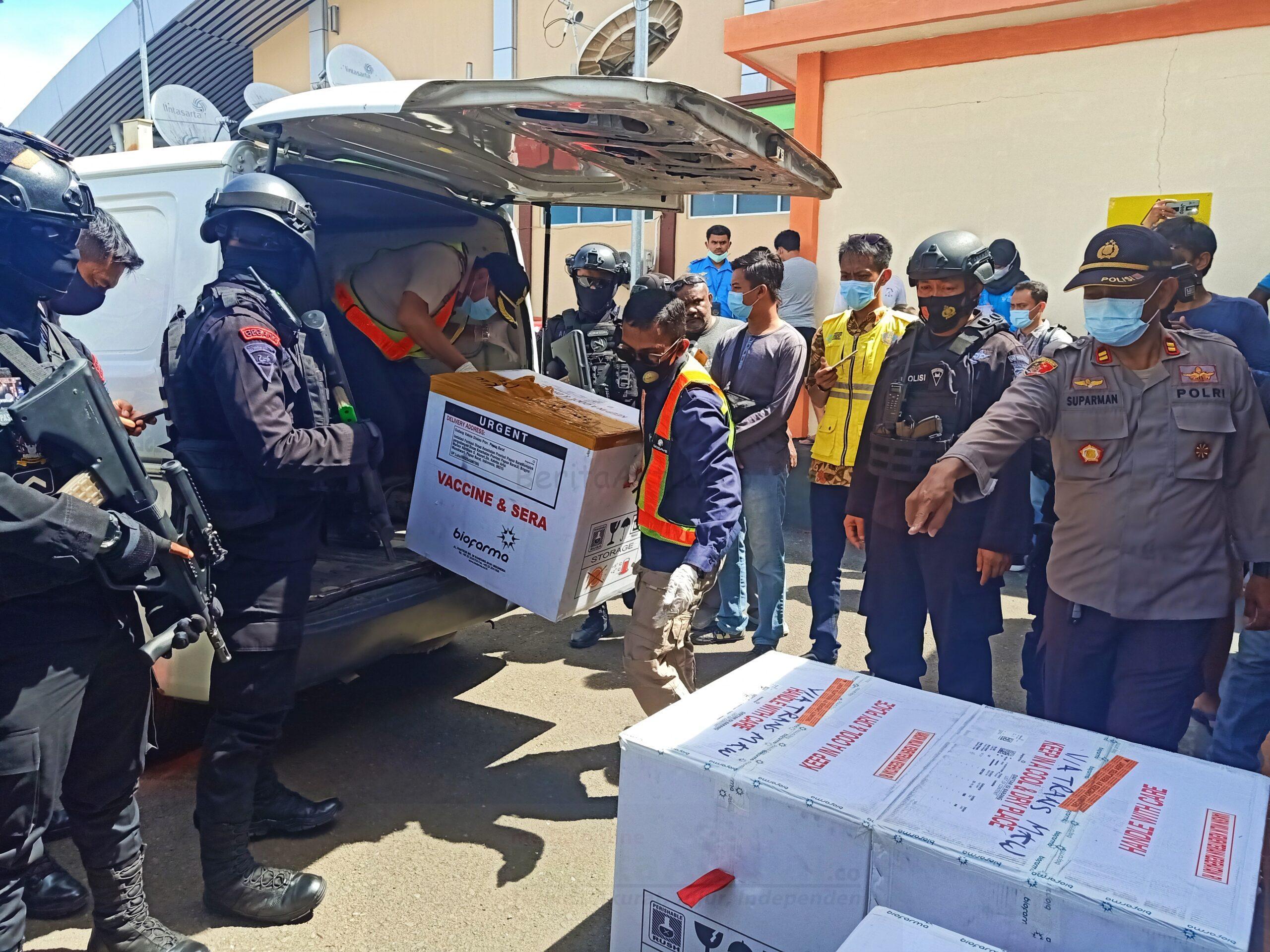 Vaksin Sinovac Sebanyak 12.040 Tahap Dua Tiba di Papua Barat 2 IMG 20210123 164513 scaled