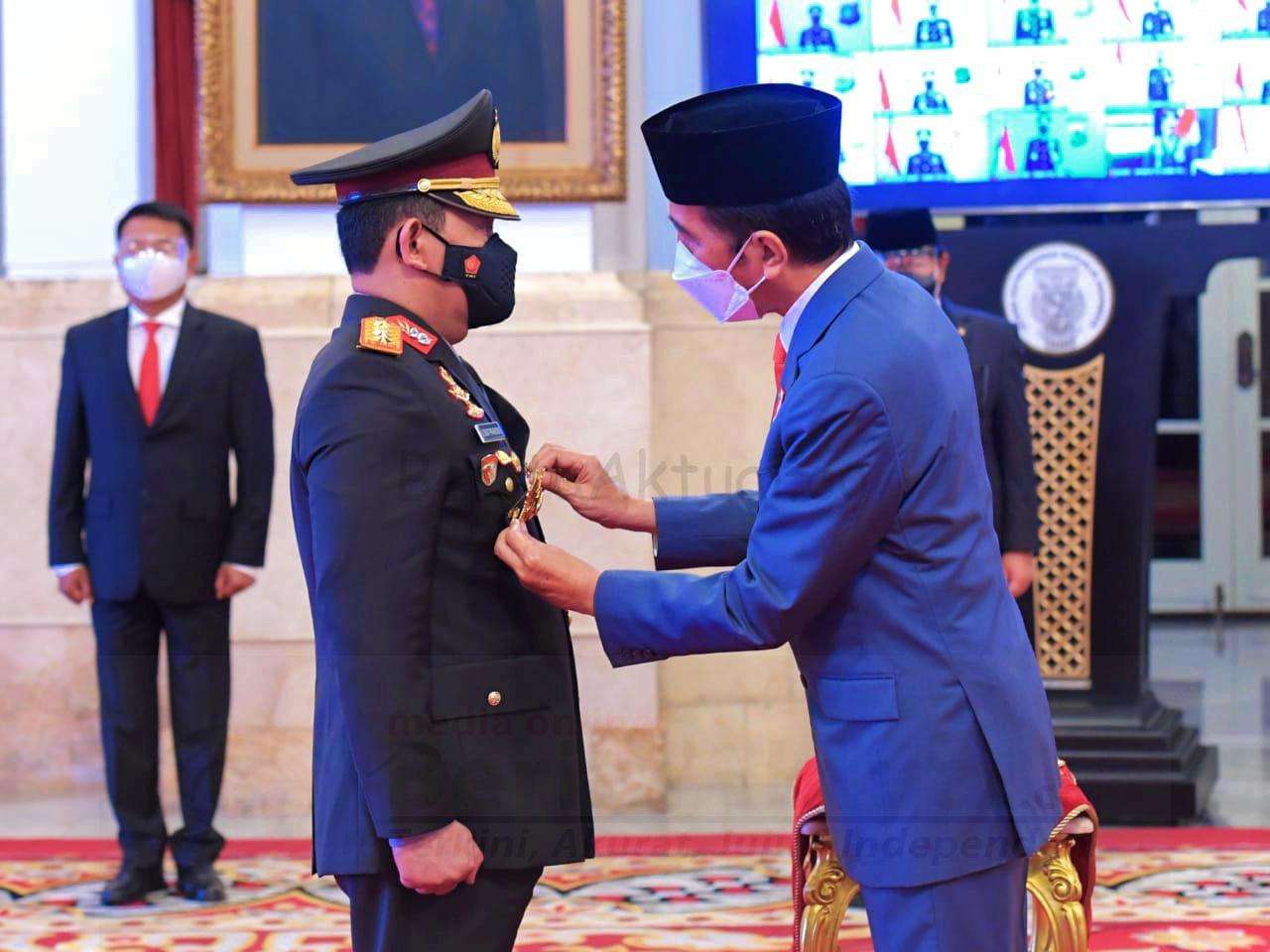 Jenderal Idham Azis Serahkan Panji Polri Tribrata Kepada Jenderal Listyo Sigit 1 IMG 20210127 173937 1