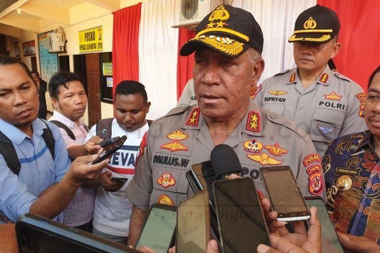 Dilantik Kapolri Jadi Kabaintelkam, Putra Papua Irjen Paulus Waterpauw Resmi Naik Bintang Tiga 18 5e8f12881dda8