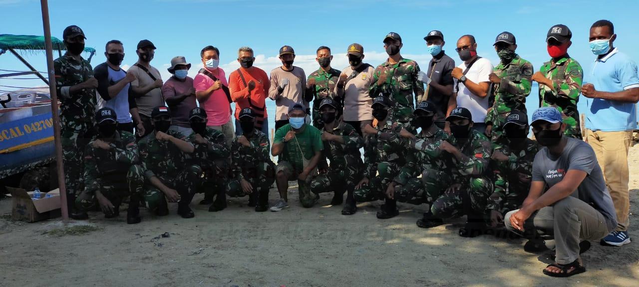 Peringati HPN Dan Sambut HSN, PWI Kaimana Gandeng TNI POLRI Bersihkan Pantai Kampung Seram 5 IMG 20210220 WA0016