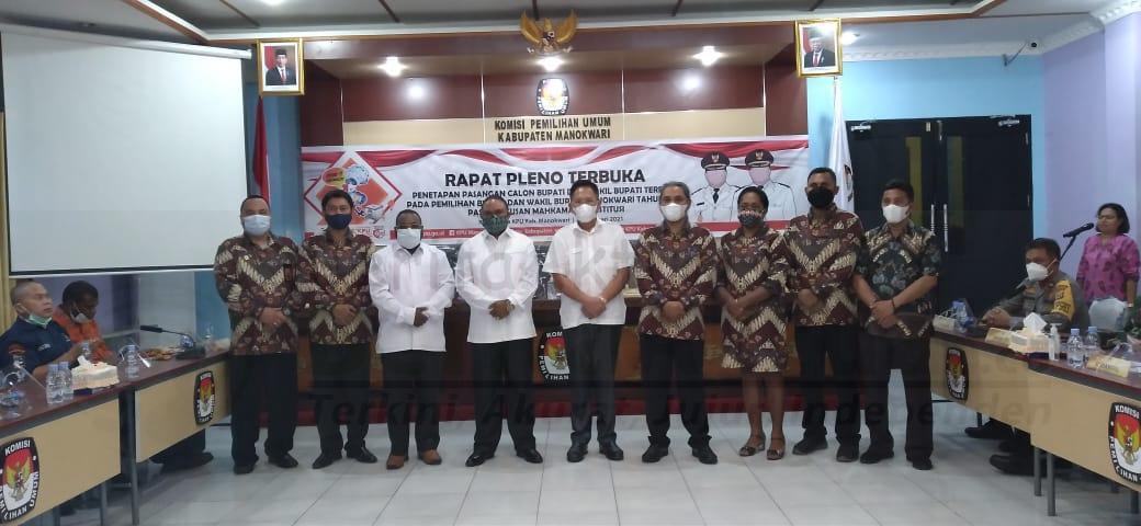 KPU Akhirnya Tetapkan Hermus Indou-Edi Budoyo Bupati dan Wabup Manokwari 5 IMG 20210220 WA0113