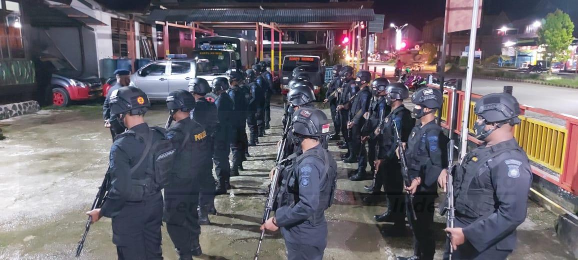 Brimob Papua Barat Rutin Melaksanakan Apel Kesiapsiagaan Antisipasi Situasi Kontijensi Setiap Minggu Malam 1 IMG 20210221 WA0070 1
