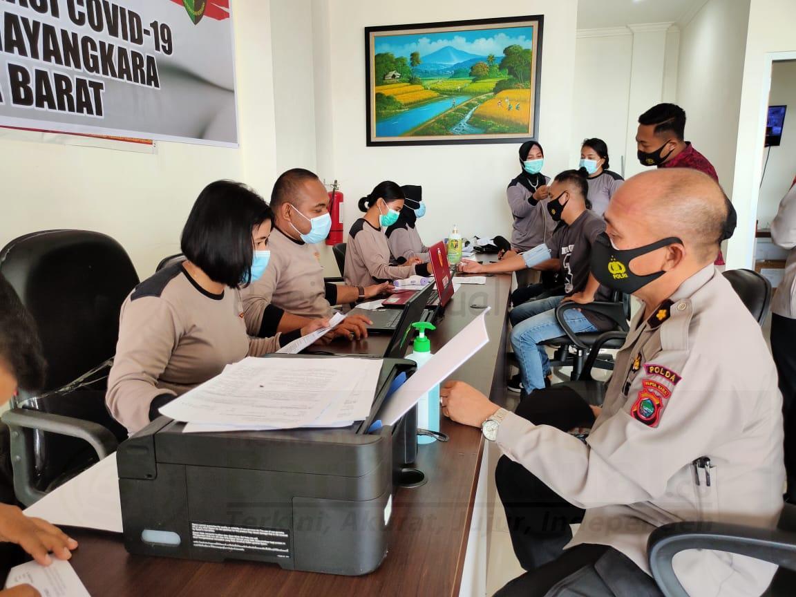 Anggota Polda Papua Barat Di-screening Sebelum Besok di Vaksin Covid-19 1 IMG 20210302 WA0063