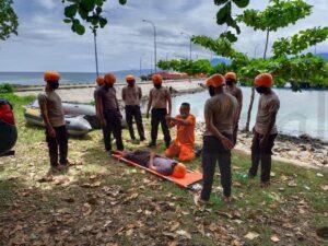 Caption : Tingkatkan Kemampuan, Brimob Papua Barat Latihan SAR Laut/Dok.Humas Brimob Polda Papua Barat